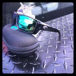 Brand new pair of costa Cat Cay sunglasses.